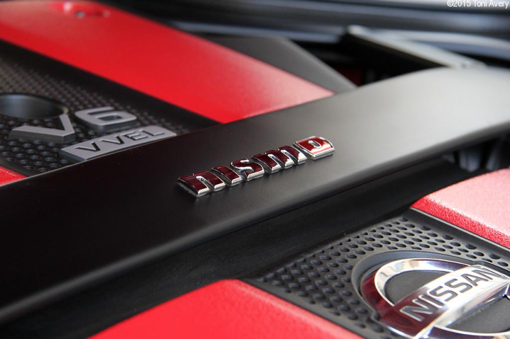 370Z NISMO engine