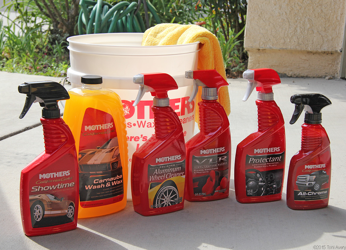Mothers New Product Review: Bucket Washing And More