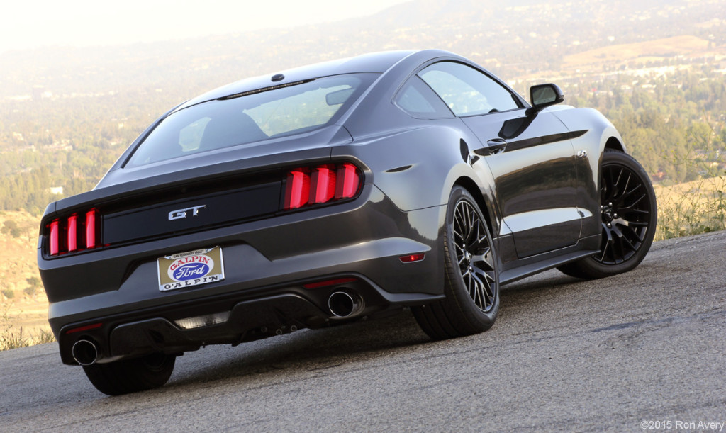 Cars 2015 Ford Mustang GT © 2015 Ron Avery