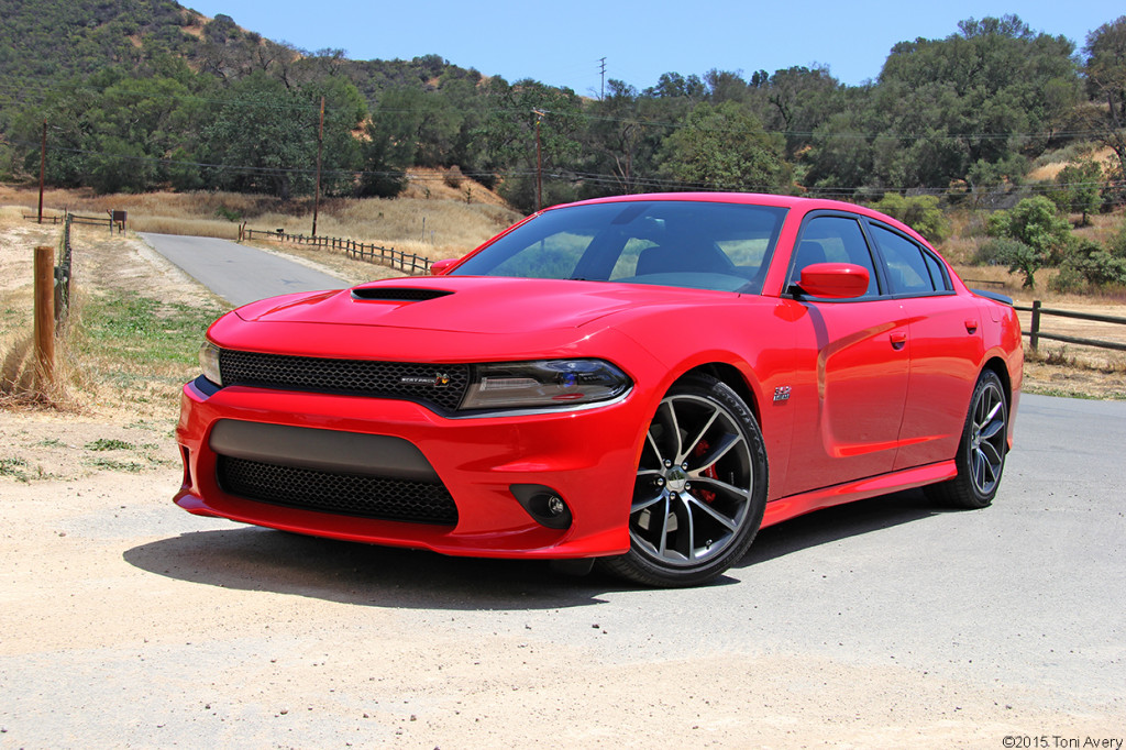 2015 Dodge Charger Scat Pack front