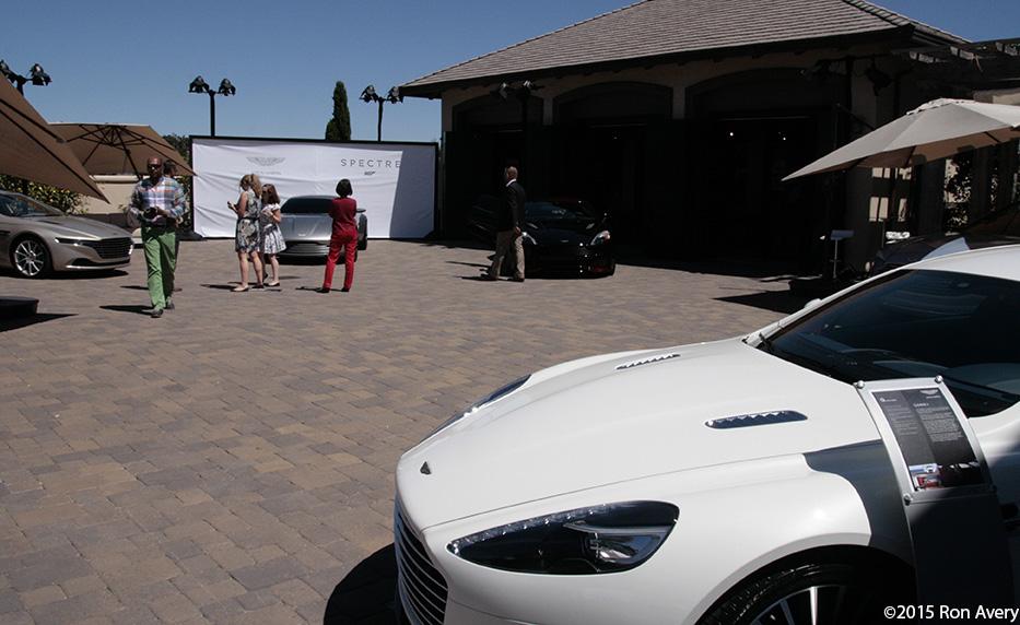 Overall Aston 72