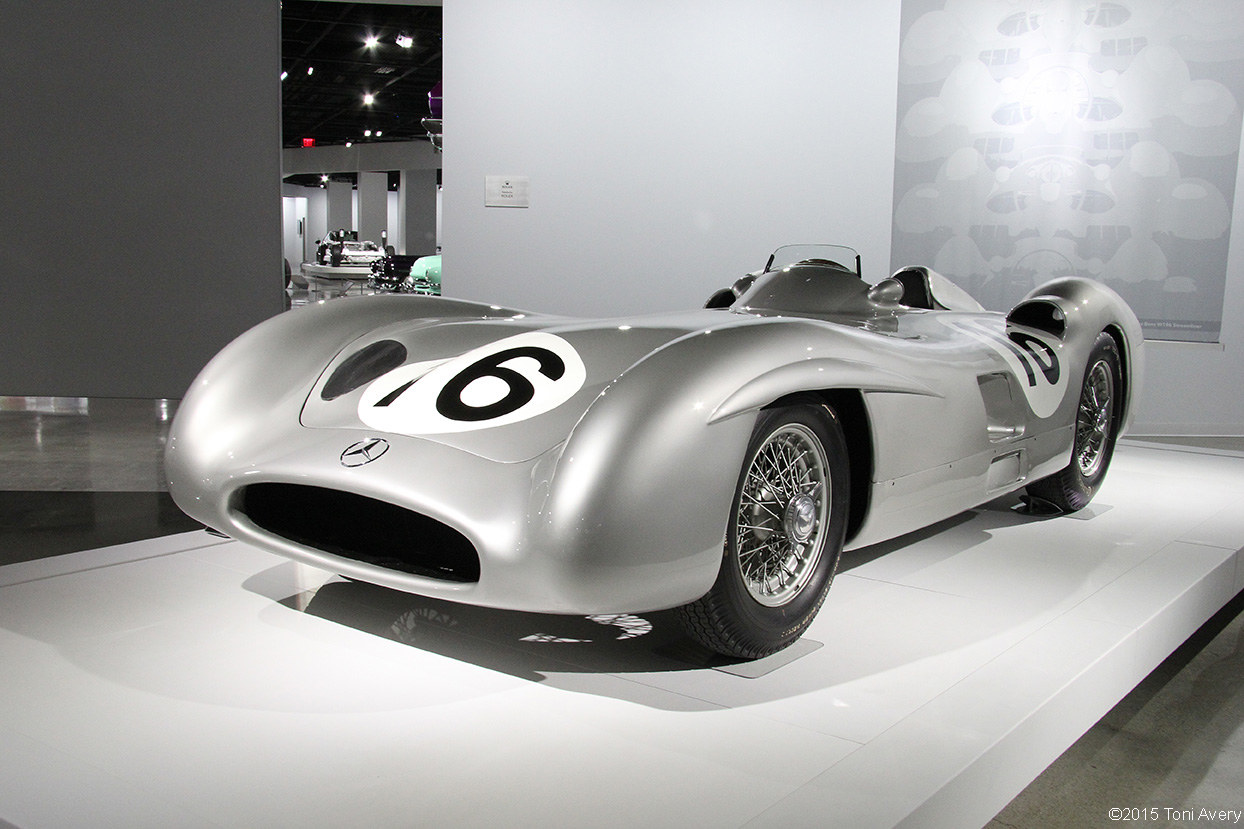 Girlsdrivefasttoo 1954 mercedes benz w196 petersen for Mercedes benz driving school los angeles