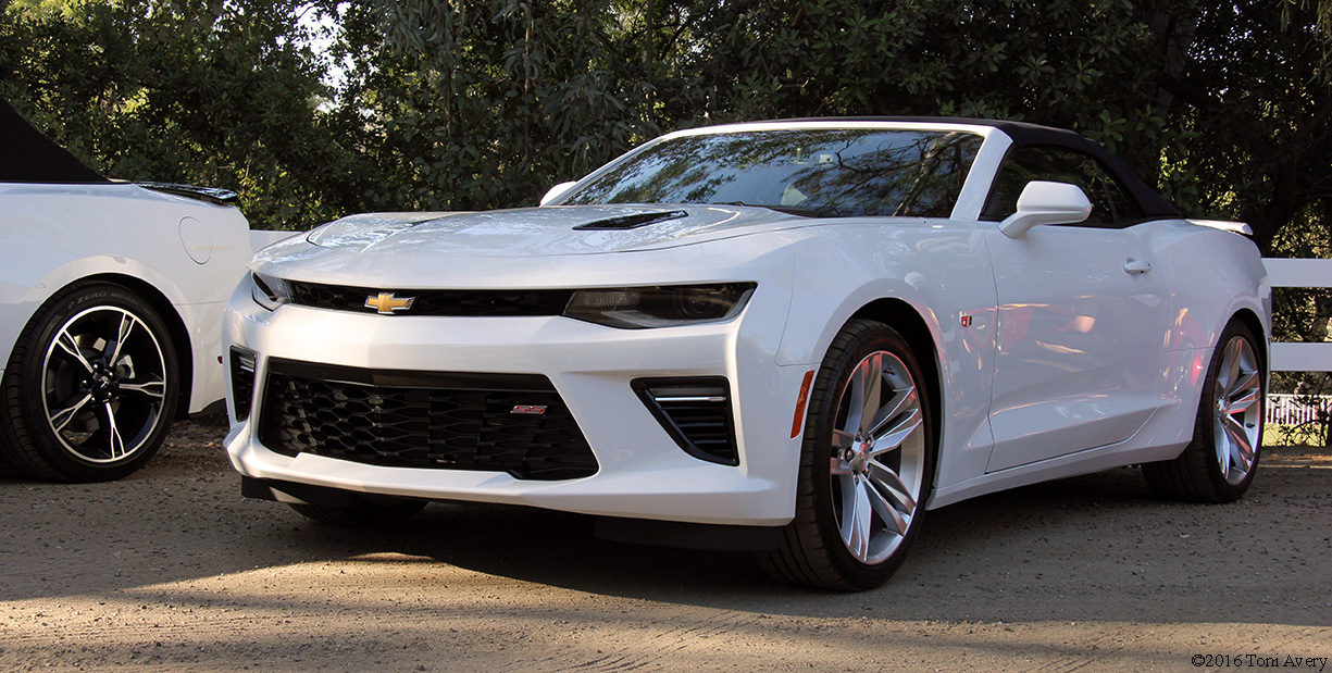 mpg droptops dirt 2016 chevrolet camaro ss convertible. Black Bedroom Furniture Sets. Home Design Ideas