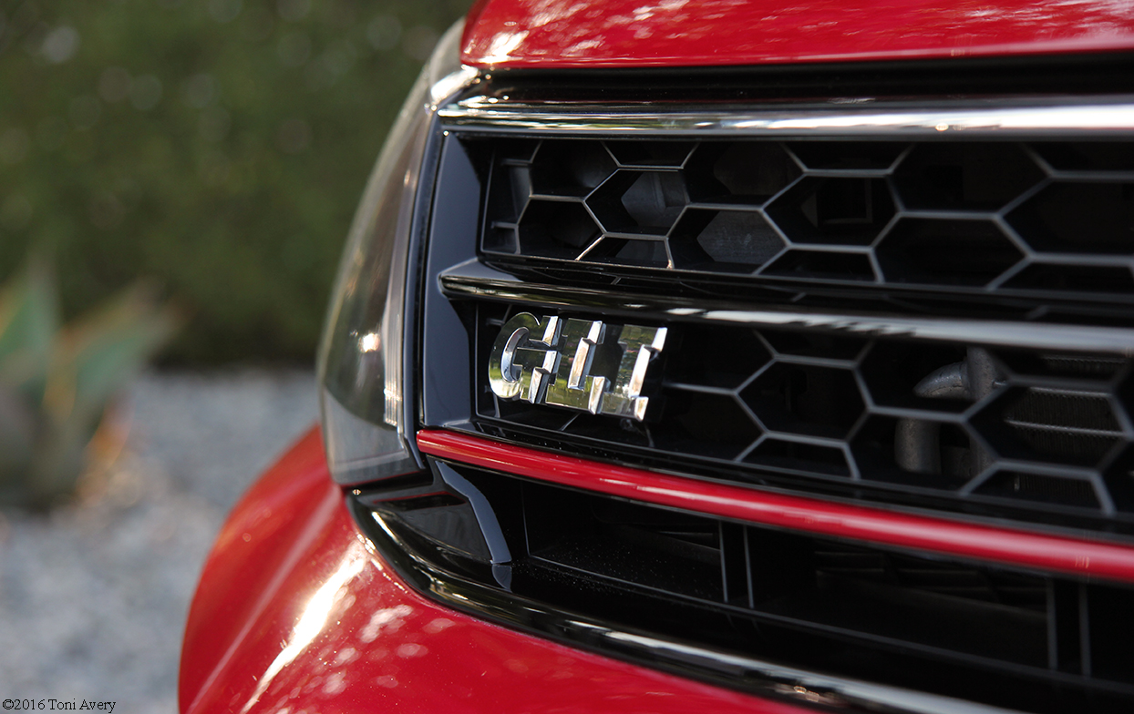 2016 Volkswagen Jetta GLI SE grille badge