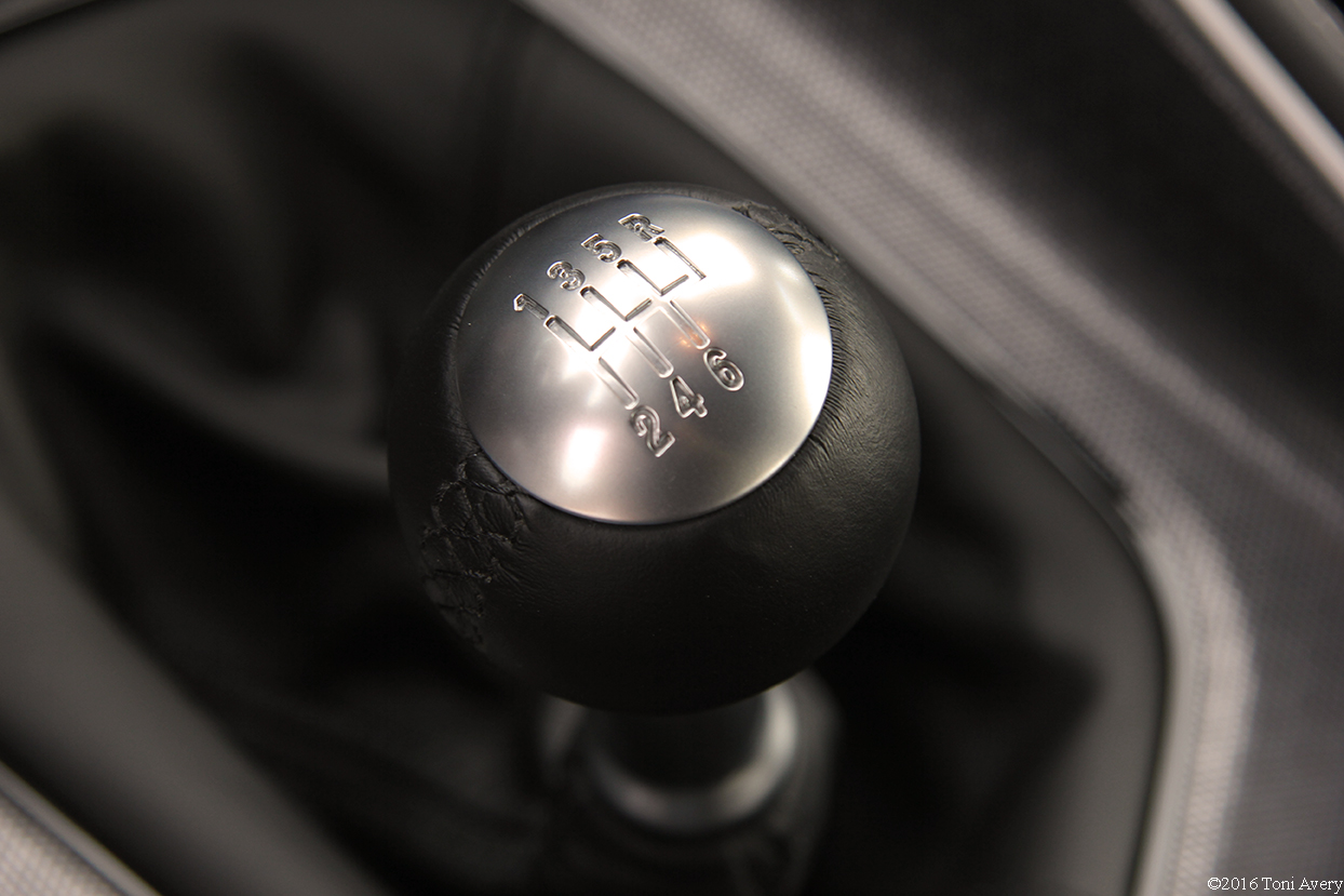 2016 Dodge Challenger SRT 392 shifter