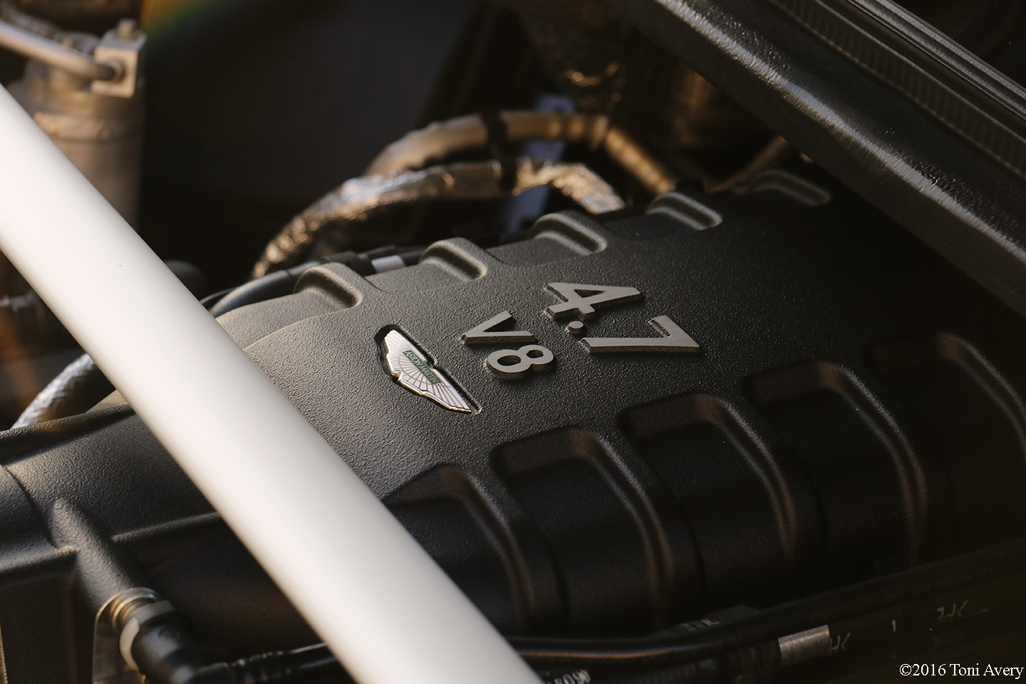 2016 Aston Martin Vantage GT engine