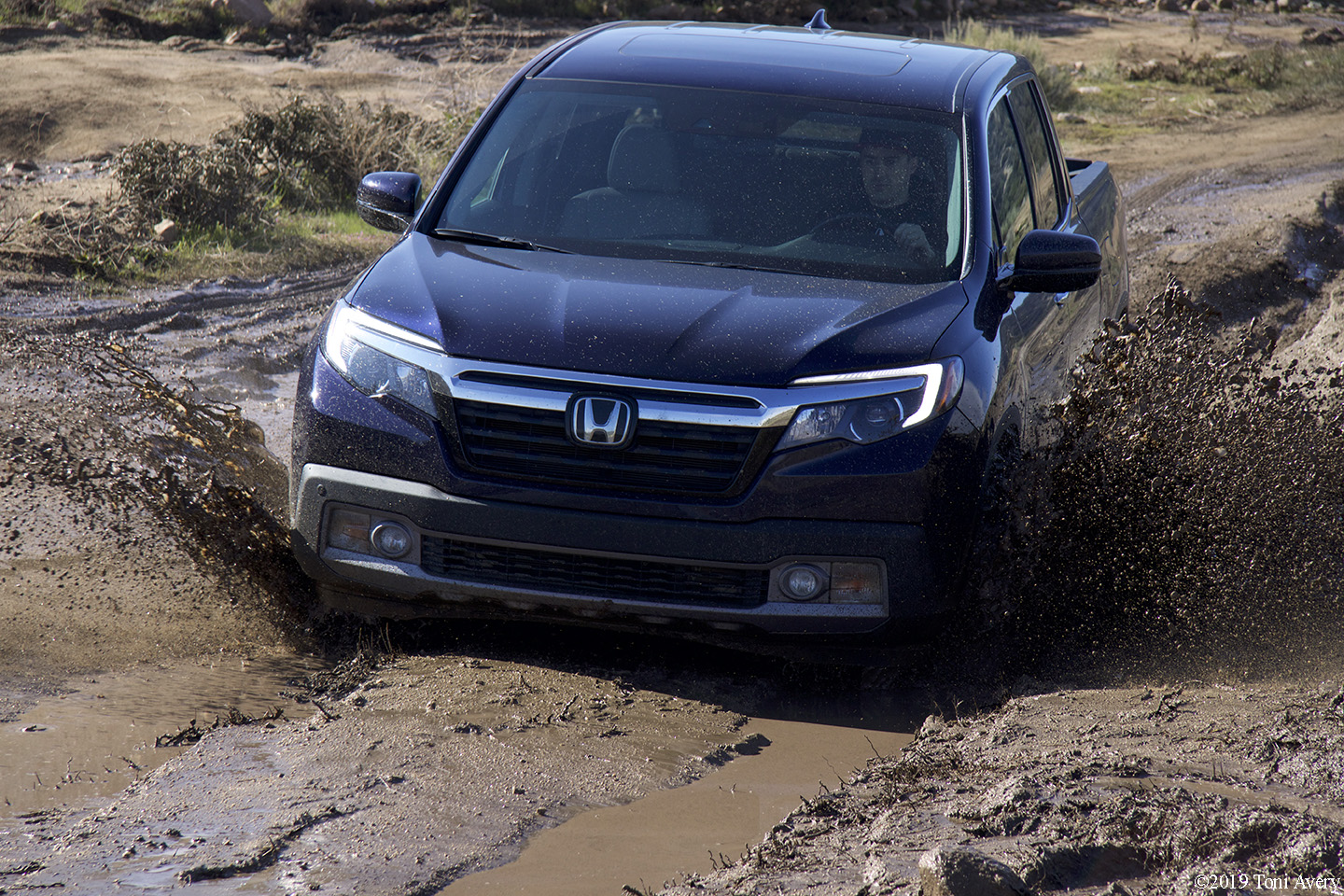2019 Honda Ridgeline AWD RTL-E Review (w/ video)
