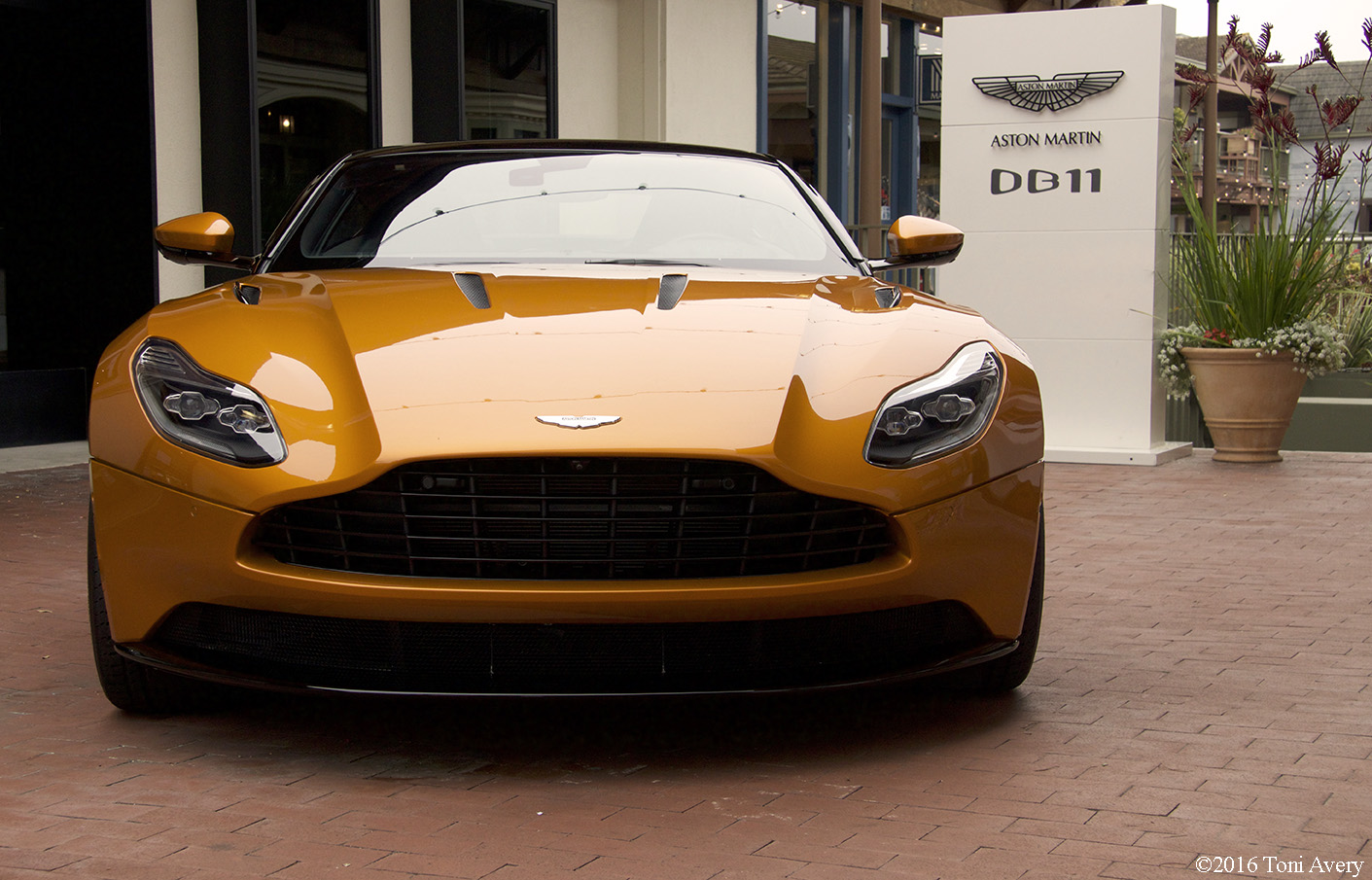 Aston Martin on Ocean 2016, Monterey Car Week